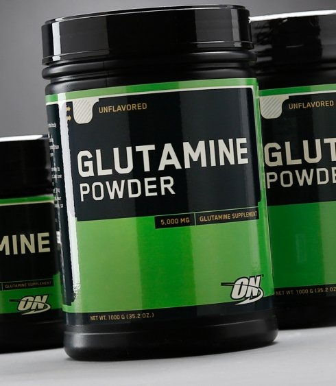 size_023046_on_glutamine_powder.jpg